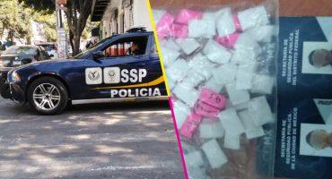 Detuvieron a dos policías por tomar y tener drogas en su patrulla en la CDMX