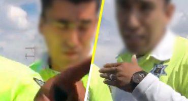 Nada nuevo: Policías golpean a conductor en Torreón cuando los estaba grabando