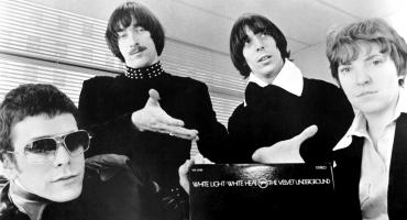 Checa a The Velvet Underground encabezando un show en contra de la Guerra de Vietnam