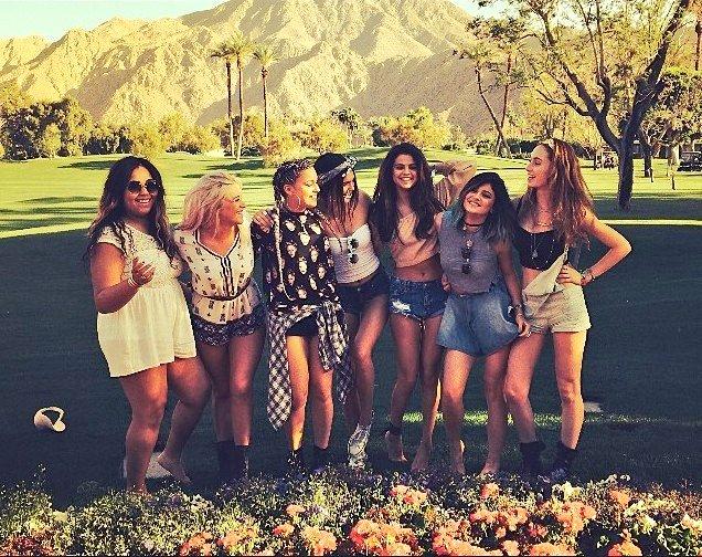 Selena Gomez y amigas