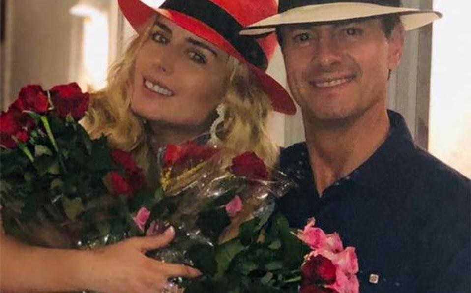 Y en la imagen del día: EPN se entrega… al amor y hasta rosas ...