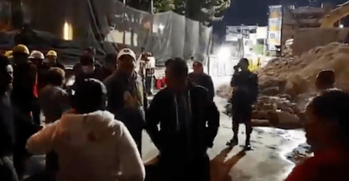 """Vecinos protestan por las obras en la Línea 12 del Metro; """"son la causa de los microsismos"""", acusan"""