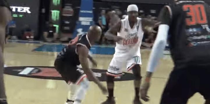 Humillaron a Mayweather en un partido de basquetbol; fue la 'burla' de los aficionados