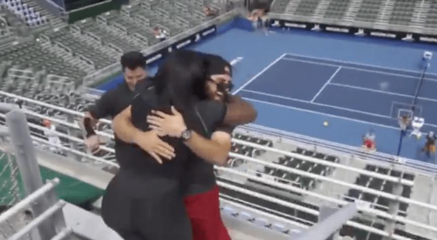 Serena Williams jugó contra 5 hombres al mismo tiempo y los aplastó sin piedad