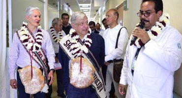 Ante falta de especialistas, AMLO plantea que médicos jubilados regresen a chambear