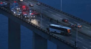 Policía abate a sujeto que secuestró un autobús y tomó rehenes en Río de Janeiro