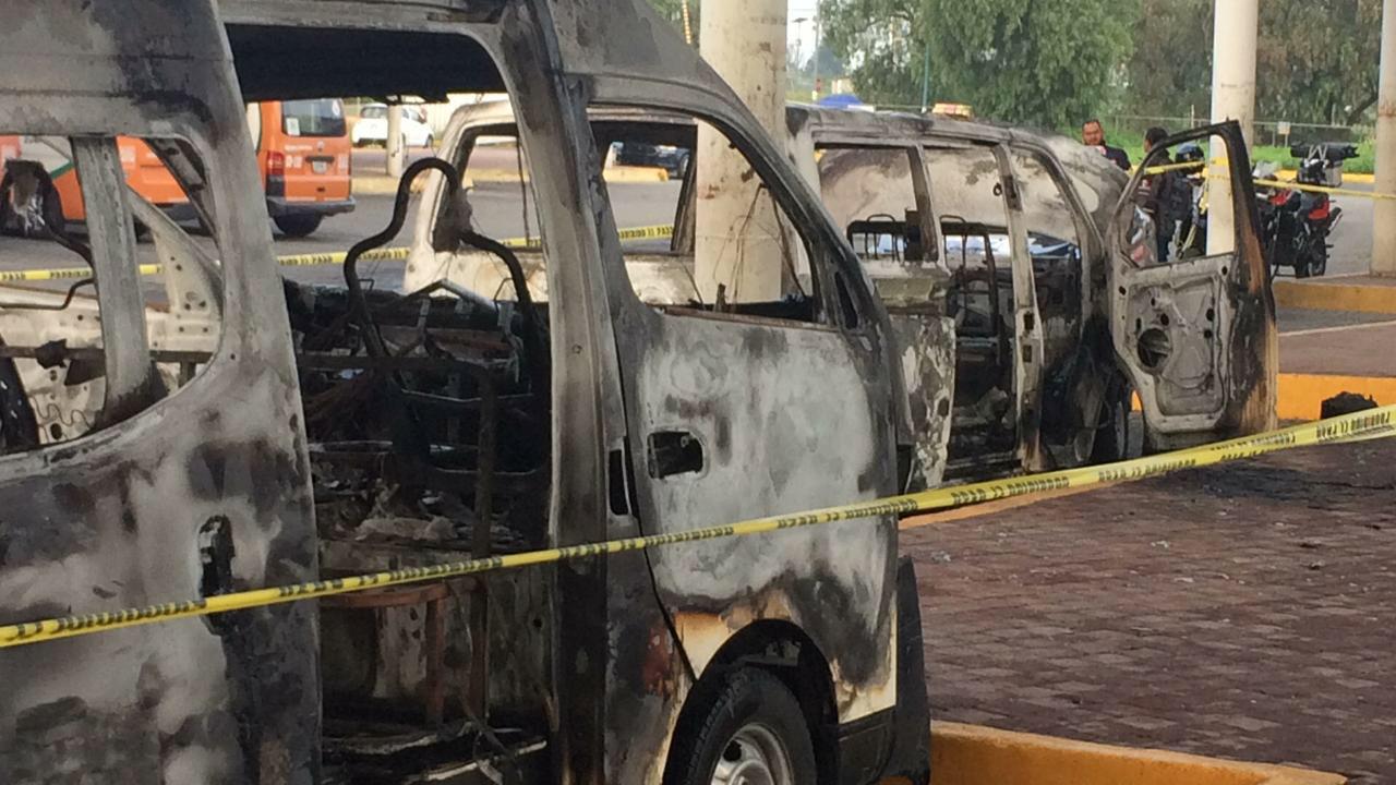 Incendian combis por negativa a pago de extorsión en Tecamac