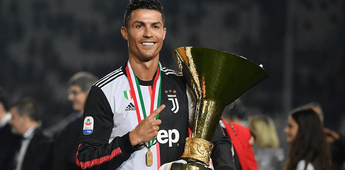 Van Dijk compite con Messi y Cristiano por ser el Jugador del Año de la UEFA
