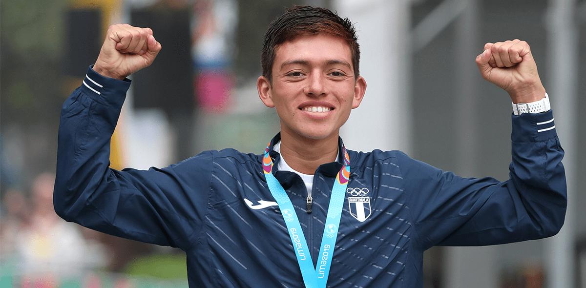 Gratitud nivel: Le regaló su medalla panamericana a su mamá por haberlo criado sola