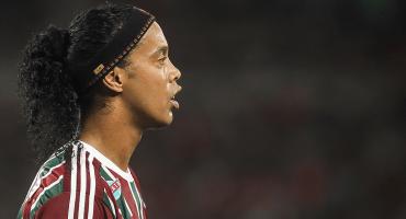 Ronaldinho no puede salir de Brasil, está endeudado y sin pasaportes