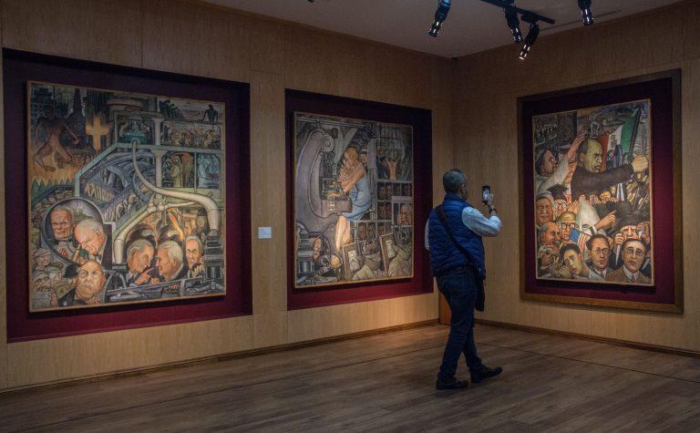 Oh la la: SNTE inaugura exposición con obras incautadas a Elba Esther Gordillo