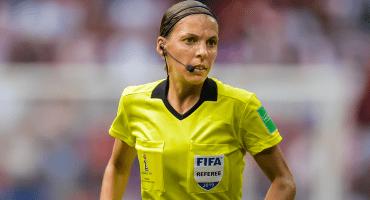 Ella es Stéphanie Frappart, la primera mujer árbitro en una Supercopa de Europa