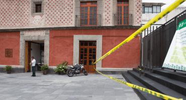 Vinculan a proceso a policía acusado de abusar sexualmente de una joven en un museo de CDMX