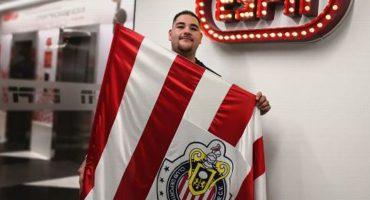 ¡Rojiblanco! Andy Ruiz se declaró fiel seguidor de las Chivas