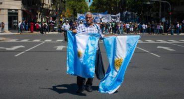 ¿Qué pasó en Argentina? ¿Por qué 'colapsaron' sus mercados?