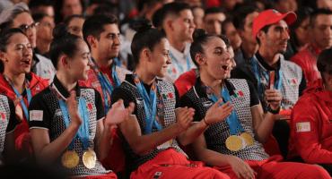 AMLO hace oficial 20 mil pesos más bonos a los medallistas Panamericanos
