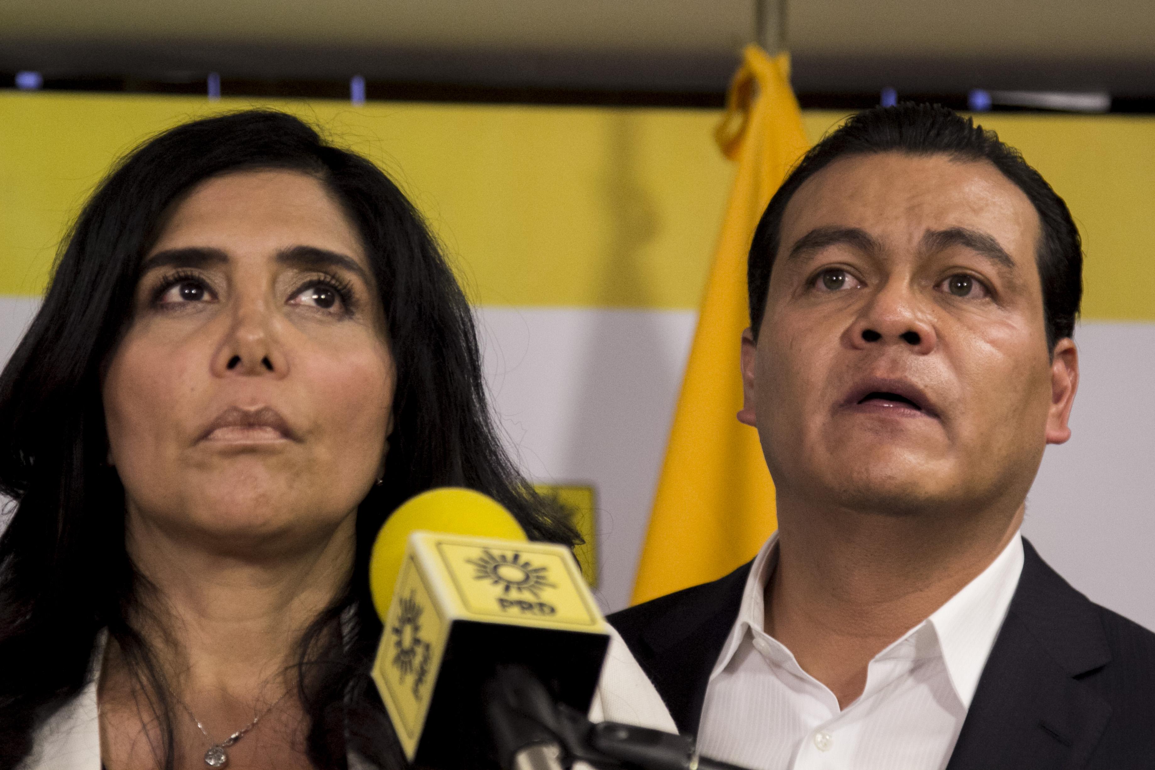 Alejandra Barrales y Juan Zepeda anuncian su salida del PRD