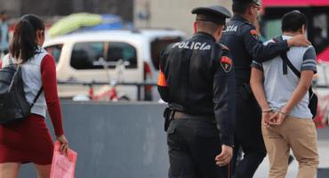 Detienen a policía por presunto abuso sexual en contra de una menor de edad