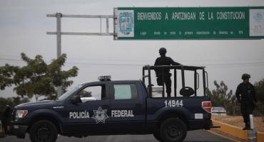 Auto de formal prisión para 6 policías federales por la matanza de Apatzingán en 2015