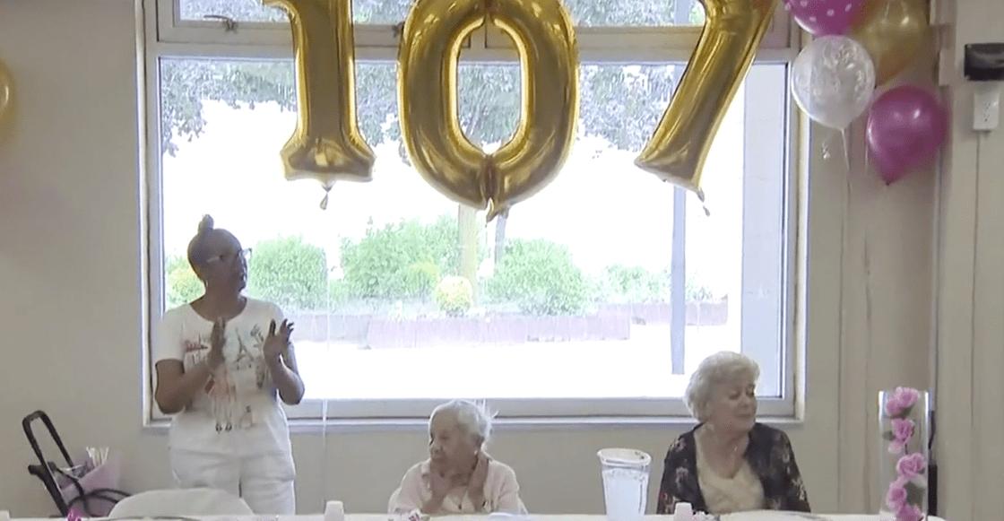 Información que cura: Esta señora dice que el truco para llegar a los 107 años es... no casarse
