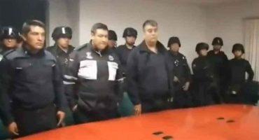 Separan a policías de Toluca que extorsionaron a un joven y se hicieron virales