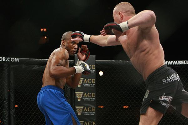 Fiscales de Texas solicitarán pena de muerte a peleador de MMA que asesinó a 2 personas