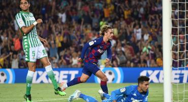 Griezmann se estrena con el Barcelona con doblete ante el Betis