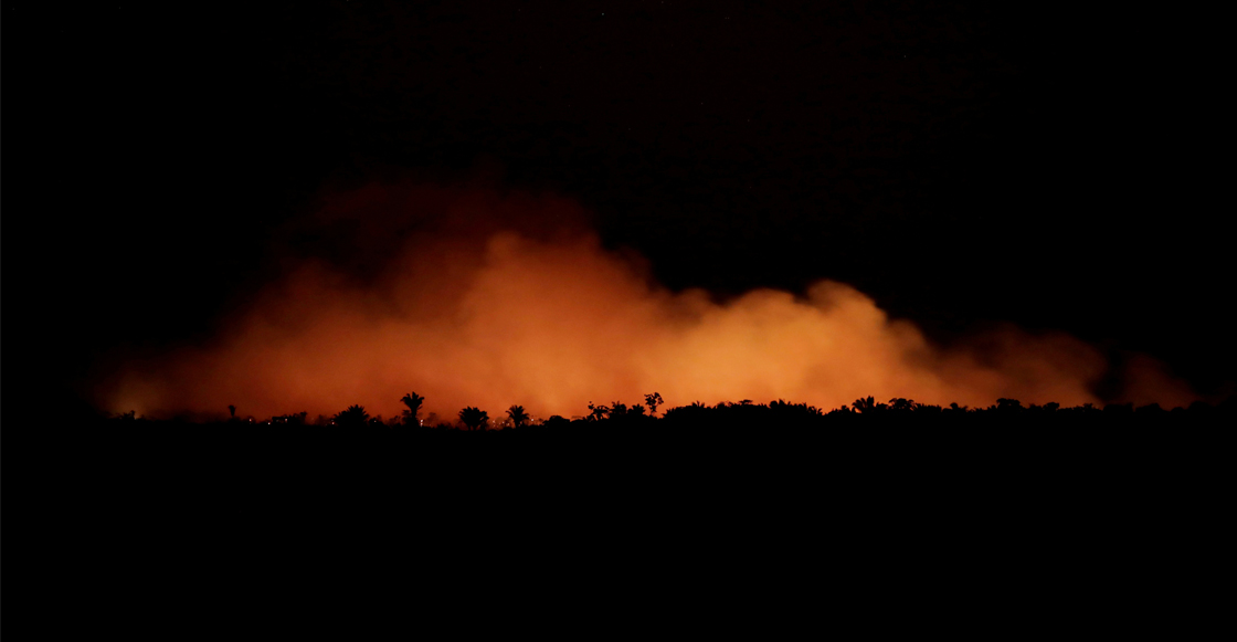 Bolsonaro autoriza envío del Ejército para combatir incendios del Amazonas