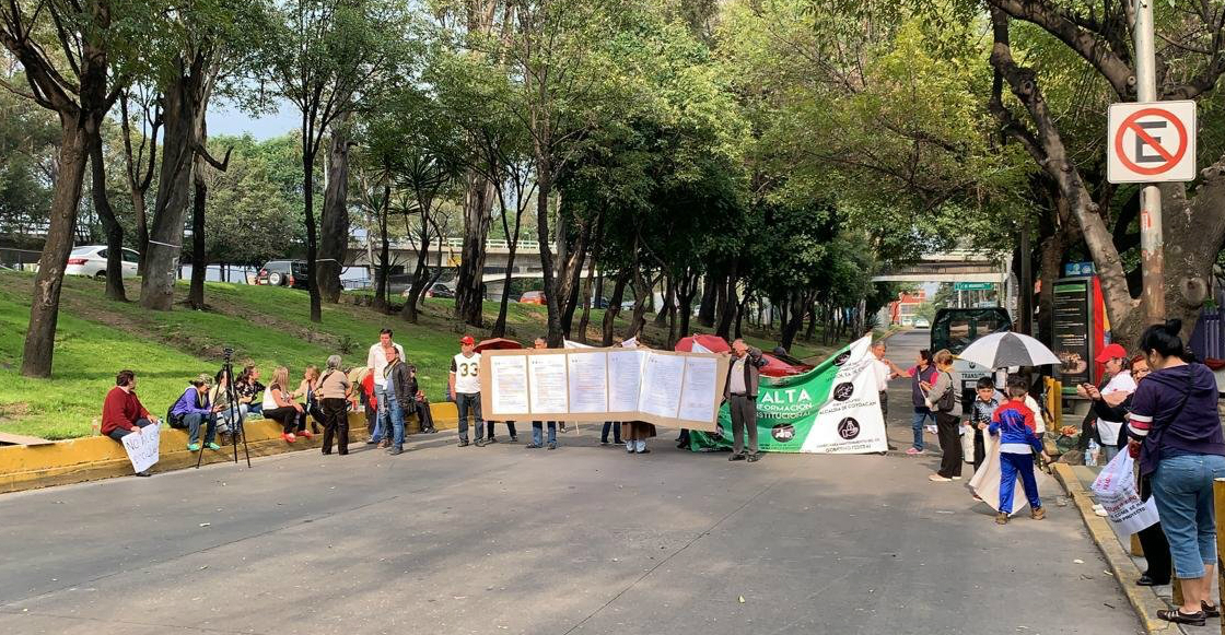 Vecinos bloquean lateral de Río Churubusco por proyecto de parque en Canal Nacional