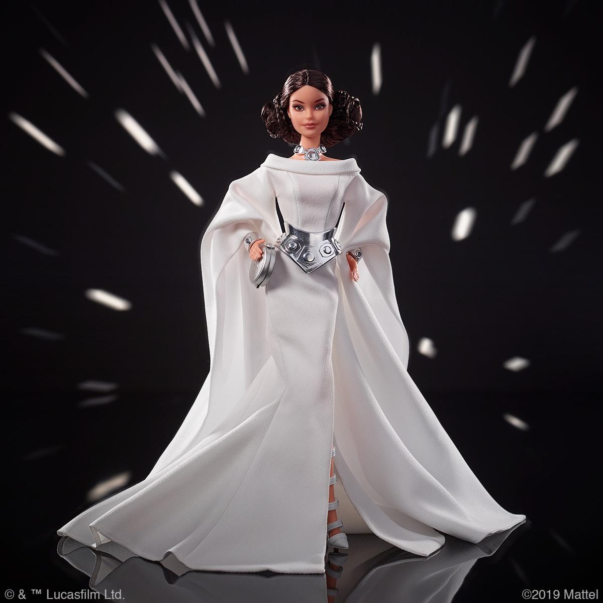 ¡Barbie lanza su colección de muñecas disfrazadas de Star Wars!