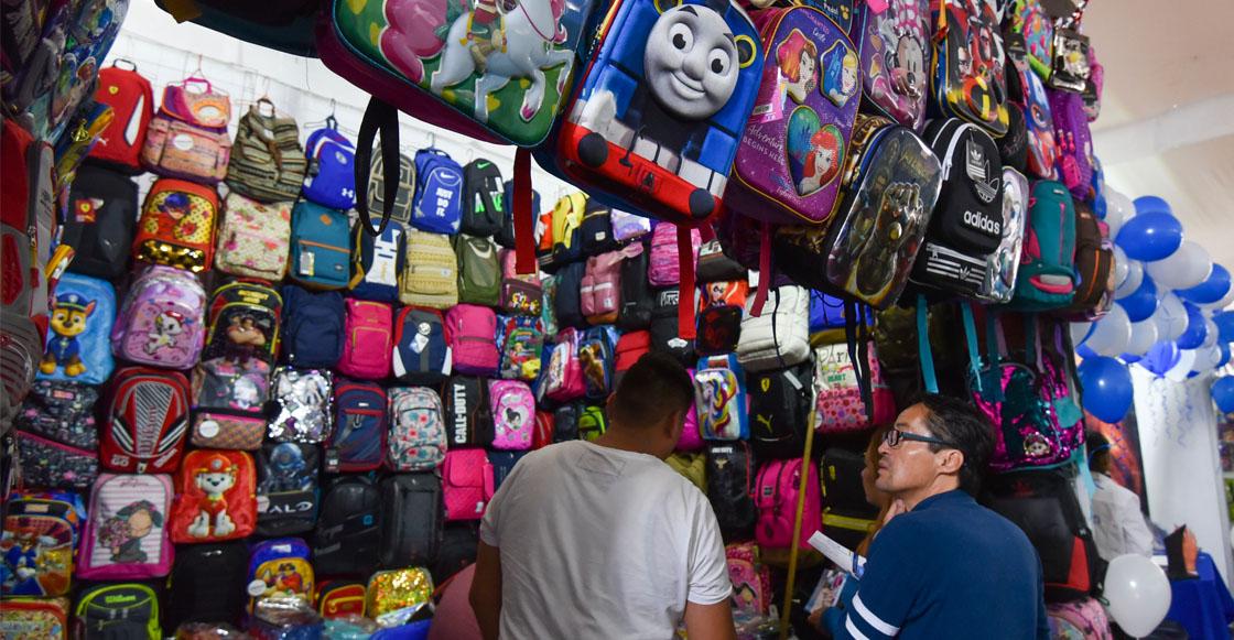 Mejor de rueditas: Esto es lo máximo que deben pesar las mochilas de los niños en este regreso a clases