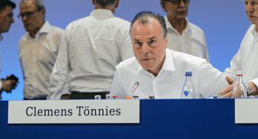 Schalke, contra las cuerdas tras las declaraciones racistas de su presidente