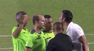 ¡Tómala! Real Salt Lake despidió a su DT por agredir a un árbitro con gritos homofóbicos