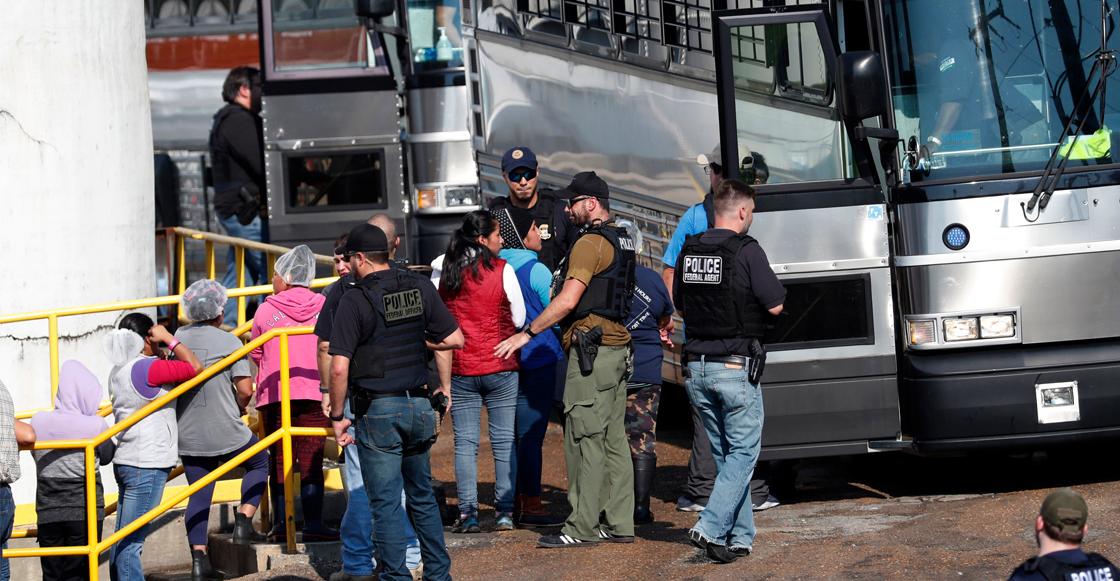 Tras varias redadas en Mississippi fueron detenidos 680 trabajadores indocumentados