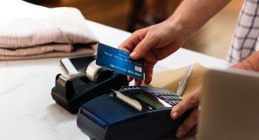 Mejor saca el efectivo: Falla en data center afecta el uso de tarjetas de crédito y débito en México