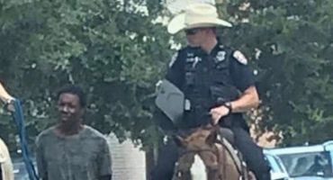 ¿2019 o 1819? Policía de Texas amarra a sospechoso afroamericano y lo jala a caballo