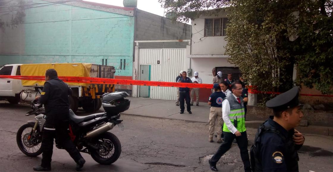 Encuentran toma clandestina de gasolina en predio de Iztacalco