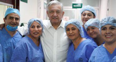 Si llegan refrescos, llegarán medicamentos: AMLO anuncia distribuidora del Estado