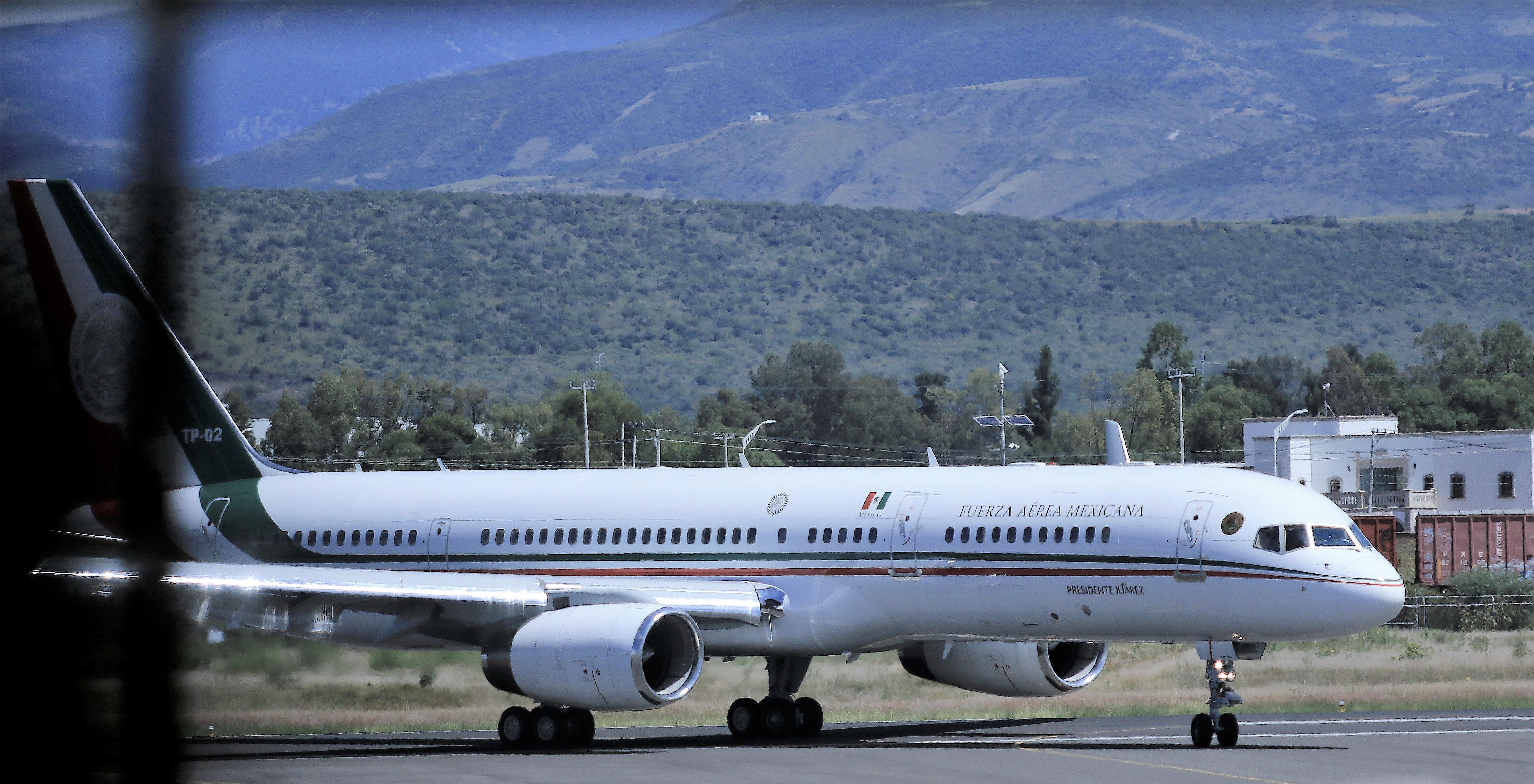 Gobierno de AMLO plantea aumentar casi al doble el impuesto a pasajeros que vuelen a otro país