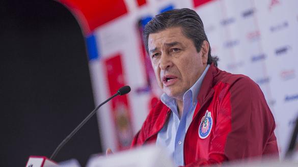 Explicación no pedida: Chivas se defiende por contratación de Tena