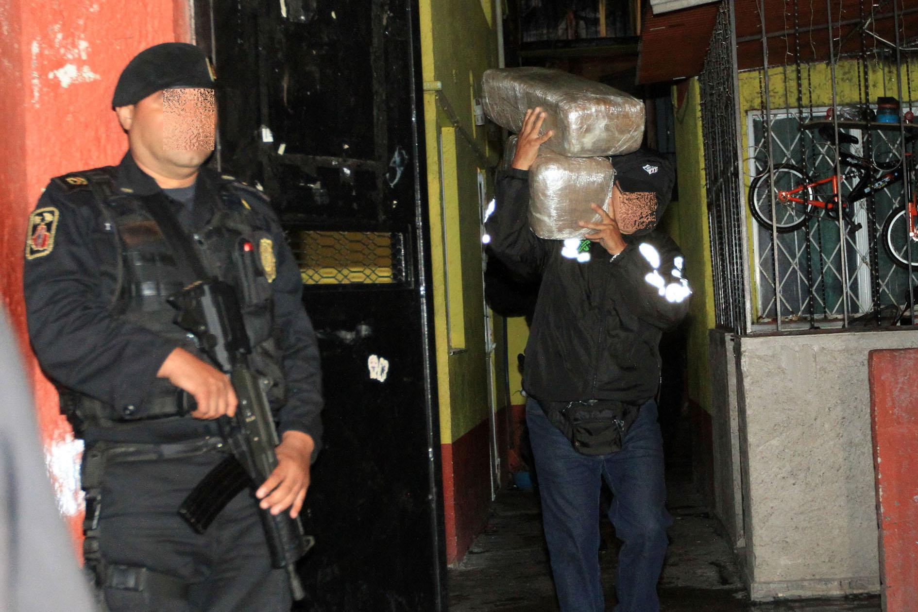 Ni pa' las reumas dejaron: SSC decomisa 3.5 toneladas de mota en Tepito