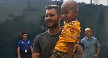 El noble gesto de Gignac con un aficionado de 4 años que lucha contra el cáncer