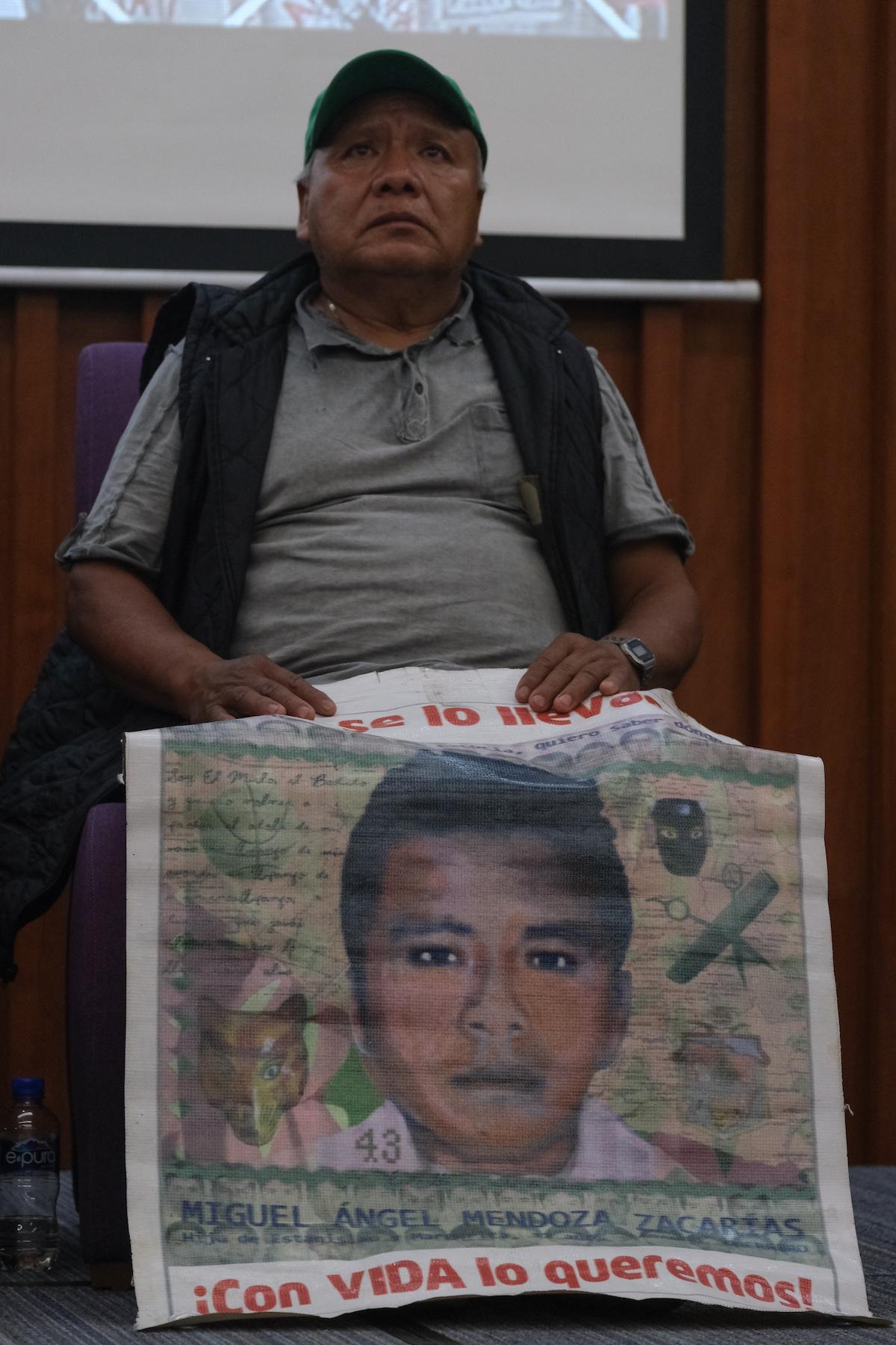 Estanislao-Mendoza-Ayotzinapa-normalistas