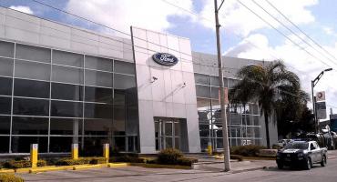 Agencia automotriz cierra ante extorsiones en Celaya