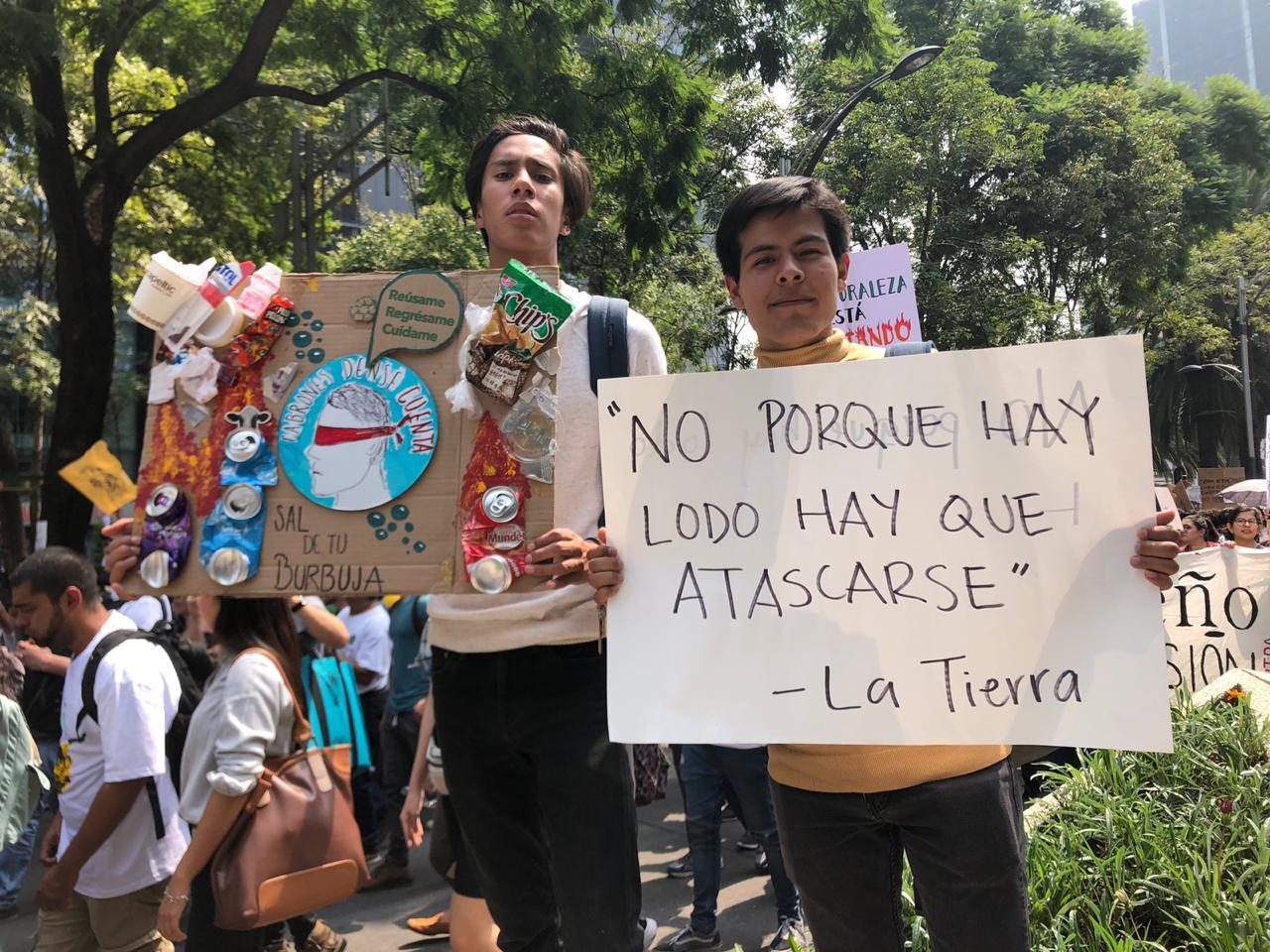 Resultado de imagen para Niños encabezan la marcha por el clima
