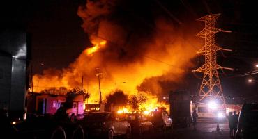 ¿Qué pasó en Tultitlán? Fuerte incendio consume presunto predio clandestino