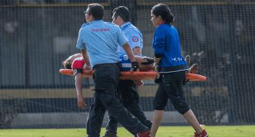 ¡Vaya susto! Jugadora de Atlético San Luis se desplomó en pleno partido; la reportan estable
