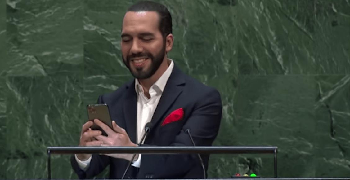 Presidente de El Salvador interrumpe su discurso en la ONU por una selfie