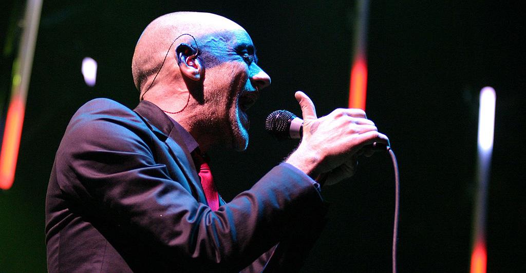 R.E.M comparte canción inédita