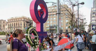 Activistas y mamás de víctimas protestan para que se declare Alerta de Género en CDMX